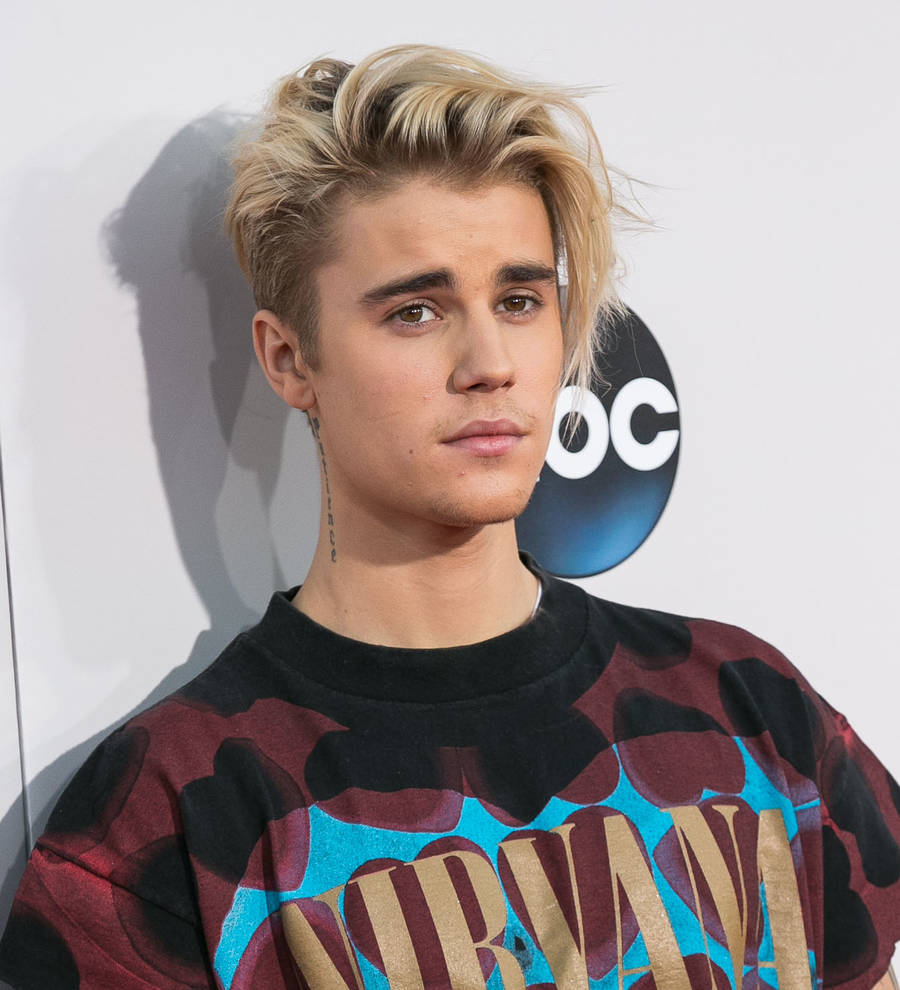 988d53325fc6 Young Hollywood | Justin Bieber brings out Jaden Smith for final New ...
