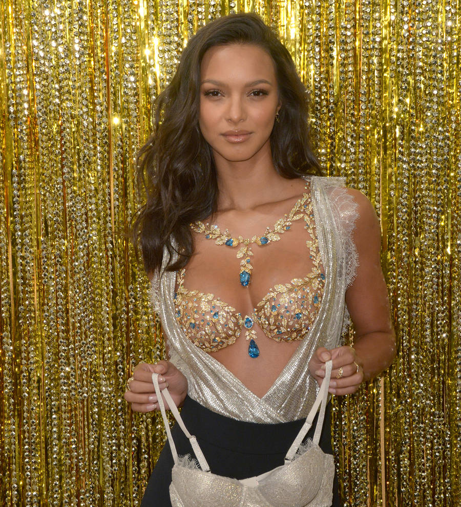 7aa9cec7f6b33 Lais Ribeiro to wear Fantasy Bra at Victoria s Secret Fashion Show ...