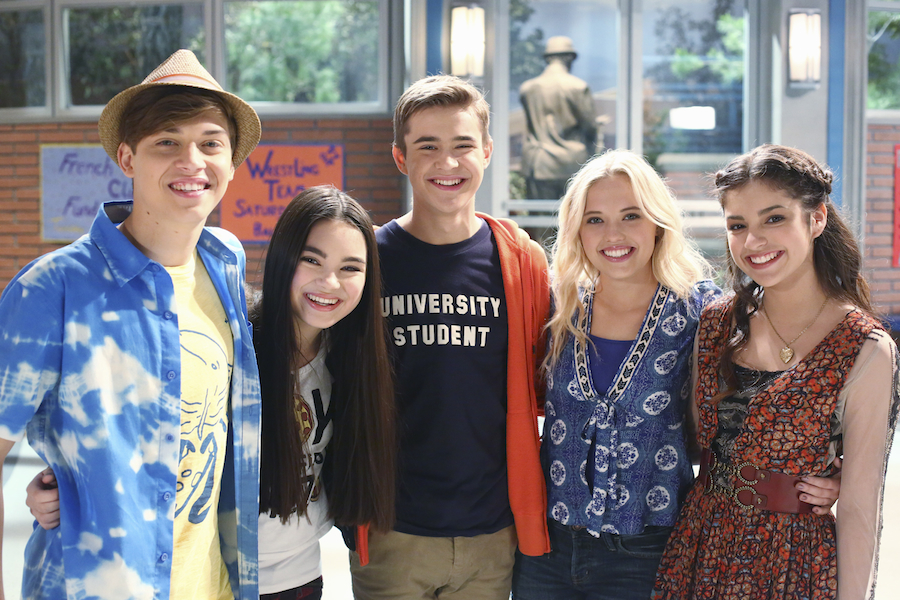 Young Hollywood First Look Season 2 Of Best Friends Whenever