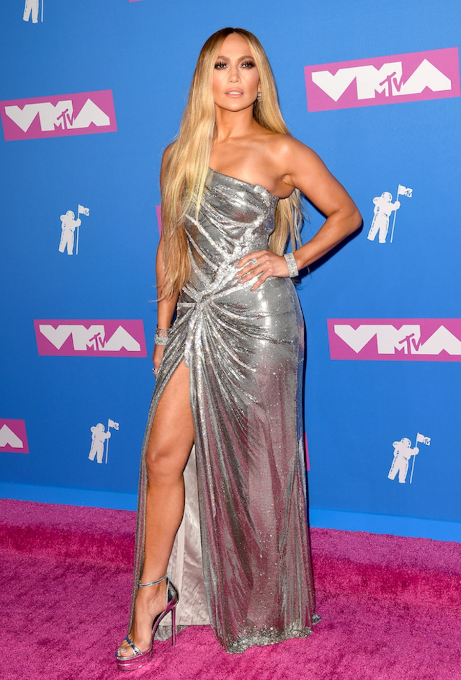 d9a098dce0 The 7 Hottest Red Carpet Looks at the 2018 MTV VMAs!
