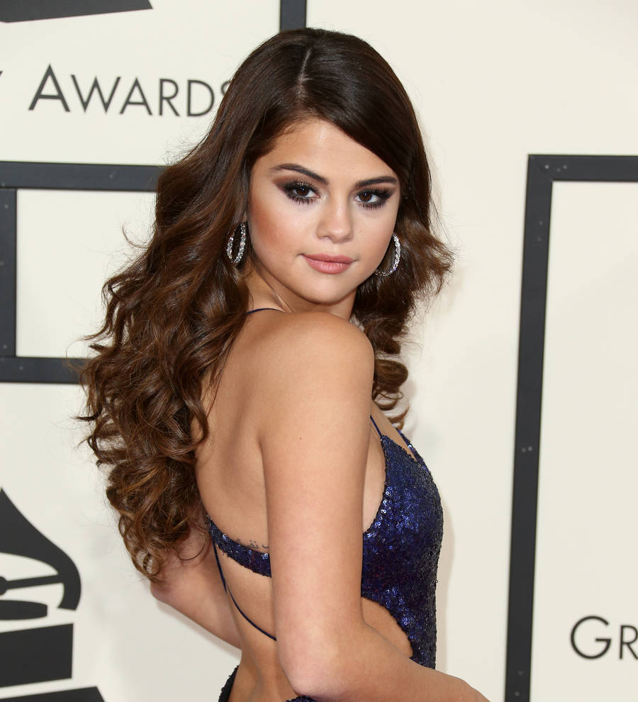 Young Hollywood Selena Gomez Strips Down To A Thong On